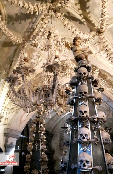 the-bone-church-of-kutna-hora-sedlec-ossuary-5