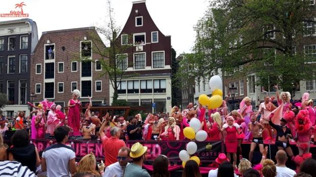 Amsterdam Gay Pride Canal Parade 1 #gay #pride #parade #amsterdam #netherlands #gaypride #canalparade #girlswanderlust #wanderlust #travel #travelling #nederland