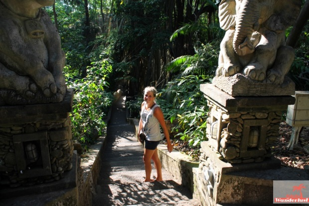 Tips for visiting and surviving the Ubud Monkey Forest in Bali by @girlswanderlust #ubud #monkeyforest #Bali #indonesia #indonesie #monkeys #monkey #travel #wanderlust 3.jpg