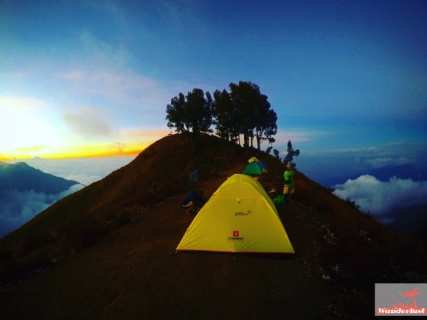 Climbing to the summit of Mount Rinjani, Lombok in 3 days and 2 nights diary, photos and tips  By @girlswanderlust #Lombok #Rinjani #Mountrinjani #indonesia #asia #girlswanderlust #travel #wanderlust #Summit #campsite.jpg