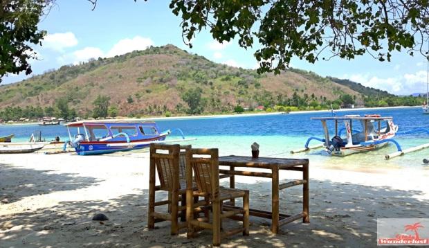 Gili Nanggu, Gili Tangkong, Gili Kedis and Gili Sudak – The paradise islands of Lombok via @Girlswanderlust. Gili Sudak. #girlswanderlust #gili #lombok #indonesia #gilinanggu #nanggu #