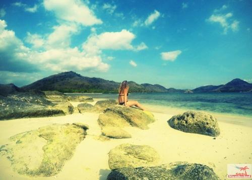Gili Nanggu, Gili Tangkong, Gili Kedis and Gili Sudak – The paradise islands of Lombok via @Girlswanderlust. Gili Tangkong. #girlswanderlust #gili #lombok #indonesia #gilinanggu #nangg
