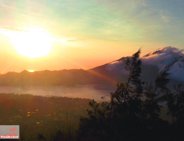 The 20 best places to watch the sunrise and #sunset in #Bali, #Indonesia by @girlswanderlust Mount #batur @bali #volcano #sunrise.jpg