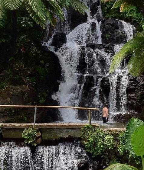 Jembong waterfall @us.on.earth.JPG