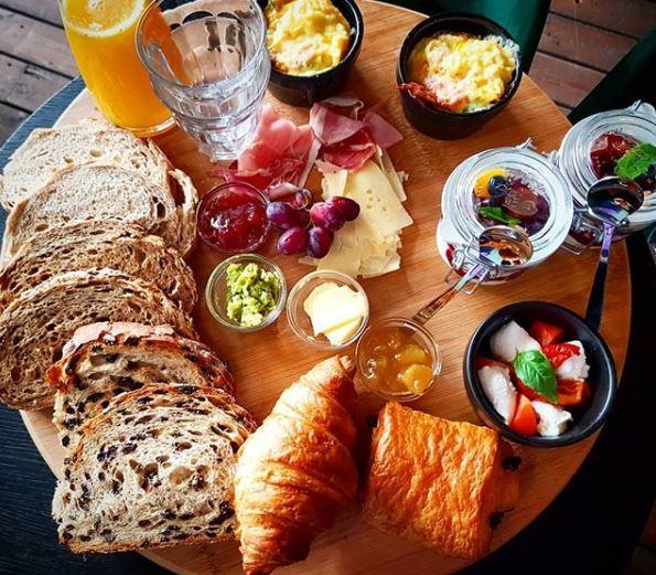 10 best places to have breakfast in Arnhem by @girlswanderlust #Annemax 2 #arnhem #gelderland #nederland #netherlands #breakfast #ontbijt #girlswanderlust #travel #travelling #wanderlust