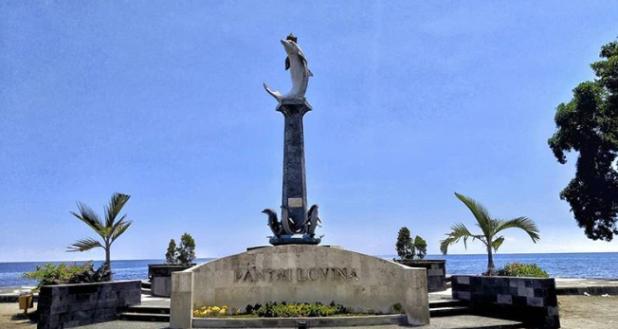 Travel guide Lovina, Bali – Advice on travel, restaurants, nightlife, activities, and more! by @girlswanderlust Photo @karangoakbali  #lovina #bali #indonesia #lovinabali #travel #wanderlust #girlswand.PNG
