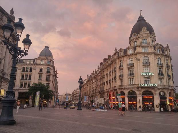 Live Among the French. French vs North American Culture Differences by @girlswanderlust #girlswanderlust #french #france #canada #america #northamerica #culture #differences #cultureshock #expat #expatlife #europe #travel 3.jpg